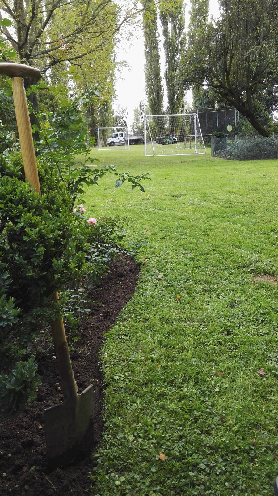 Manutenzione di giardini privati e condominiali - Foto di giardini privati ...